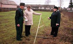 Как считать земельный налог, если в течение года изменился вид разрешенного использования земли.