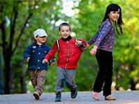 Чиновники планируют увеличить страховой стаж по уходу за детьми